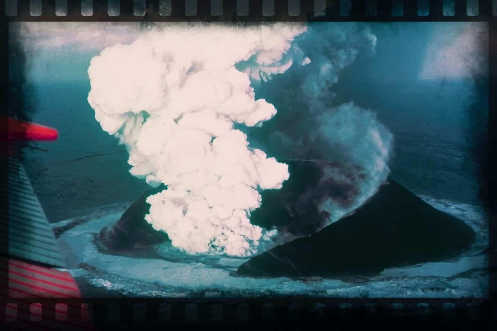 Surtsey - 16 Tage nach dem Ausbruch // Quelle: NOAA, Howell Williams