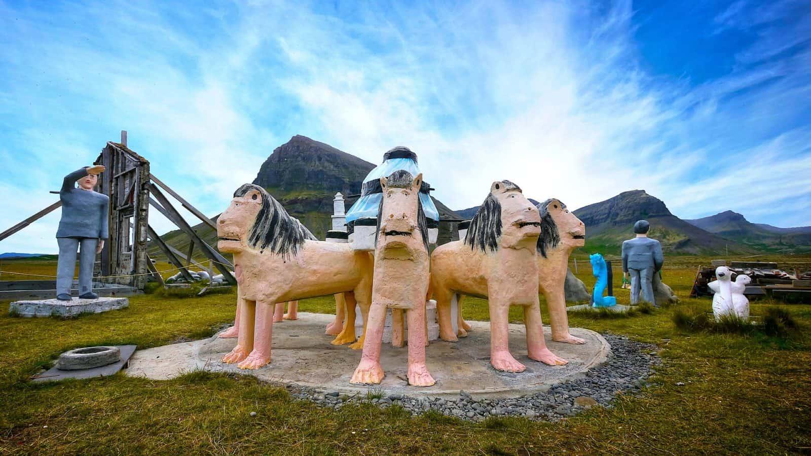Skulpturen in Selárdalur
